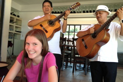 Hannah with some mariachi!